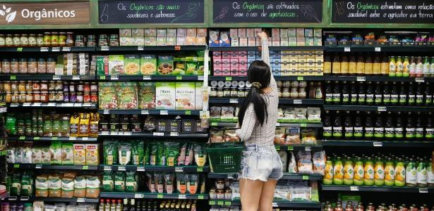 Sem açúcar, integral, será mesmo? Aprenda como ler rótulos em supermercados.