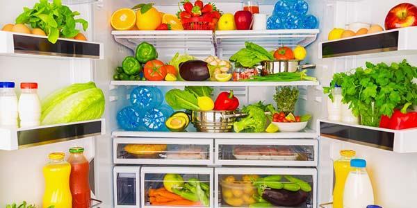Deixar alimento fora da geladeira por mais de 2h pode prejudicar a saúde
