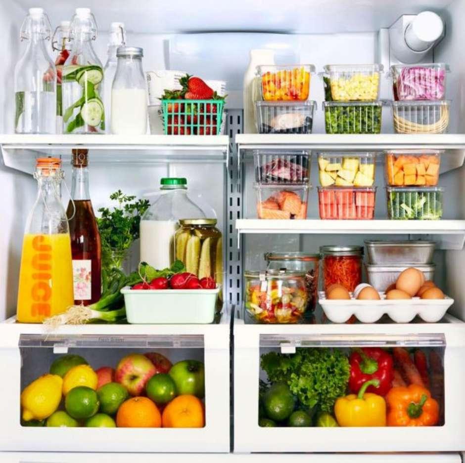 Maneira correta de armazenar os alimentos na geladeira