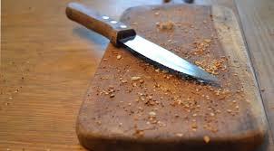 Superfícies enferrujadas causam tétano? Qual a relação disso com alimentos?