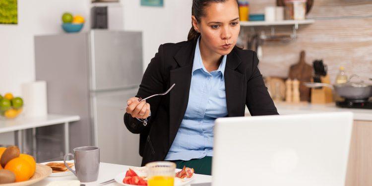 Reflexões sobre alimentação em home office